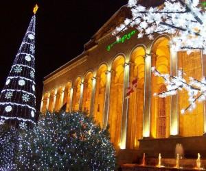 Новый Год в Тбилиси - Вид на бывший парламент Грузии