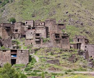 Шатили - заброшенное селение в горах