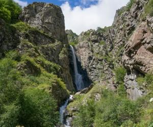 Гвелатский водопад, Казбеги